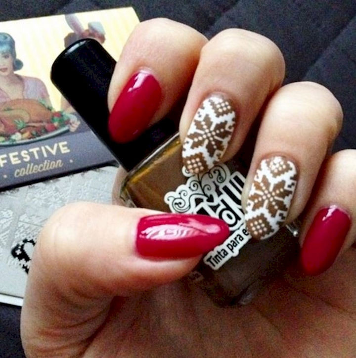 15 Ugly Christmas Sweater Nails - Get festive with cute sweater accent nails.