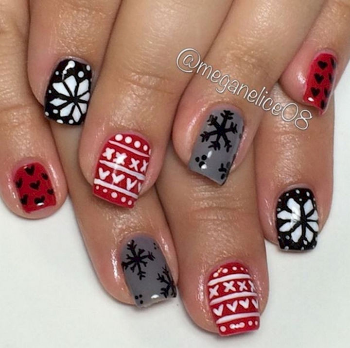 15 Ugly Christmas Sweater Nails - Cute Christmas designs.