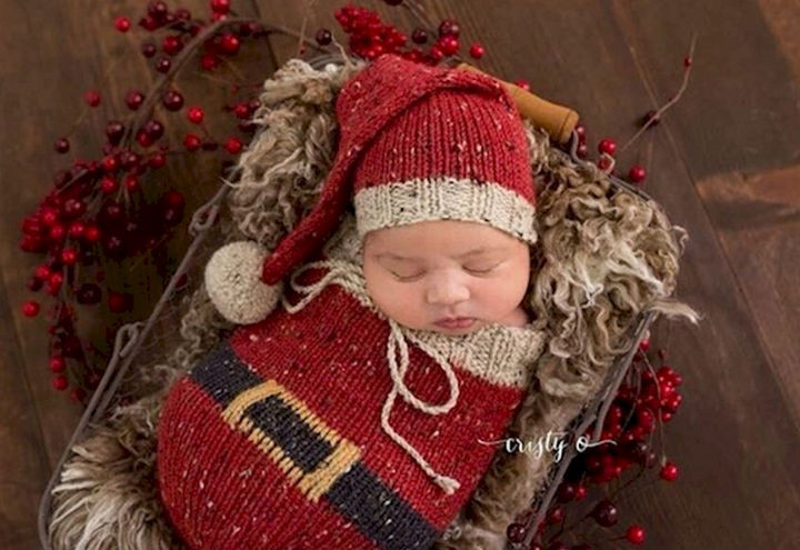 13 Cute Babies Wearing Christmas Outfits - A tiny Christmas package that is a joy to admire.