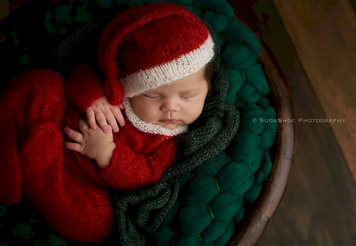 13 Cute Babies Wearing Christmas Outfits - An adorable sleepy Santa.