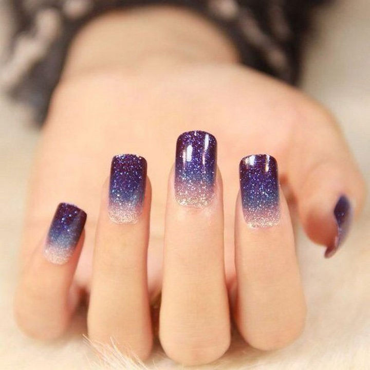 22 Purple Nail Designs - It is like looking at a starry sky.
