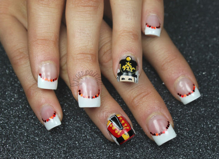 23 Christmas Nails - Adorable Nutcracker nails.