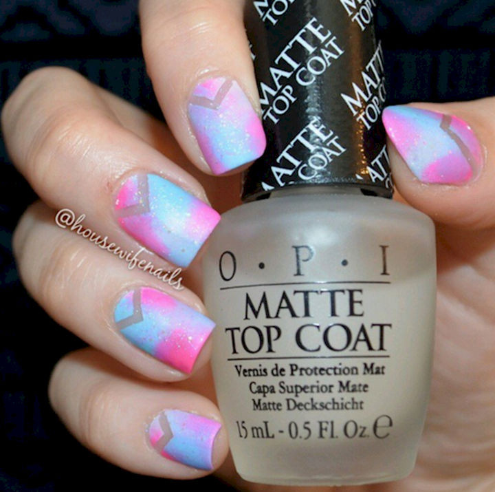 17 Cotton Candy Nails - Matte and glitter work well in this futuristic mani.