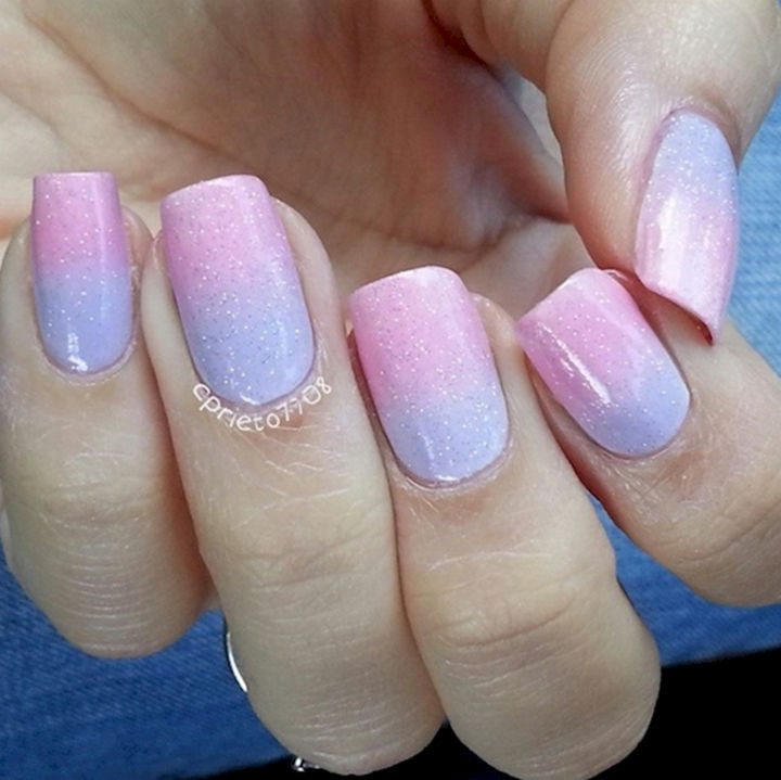 17 Cotton Candy Nails - Pretty cotton candy pastels.