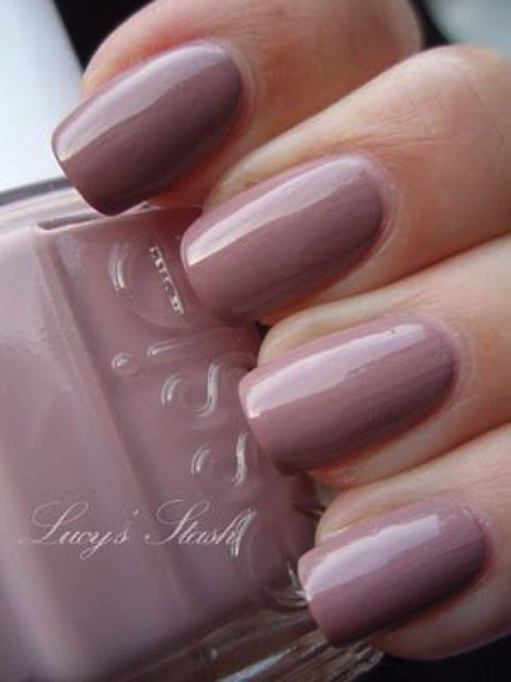 17 Extravagant Mauve Nails You Are Going to Love