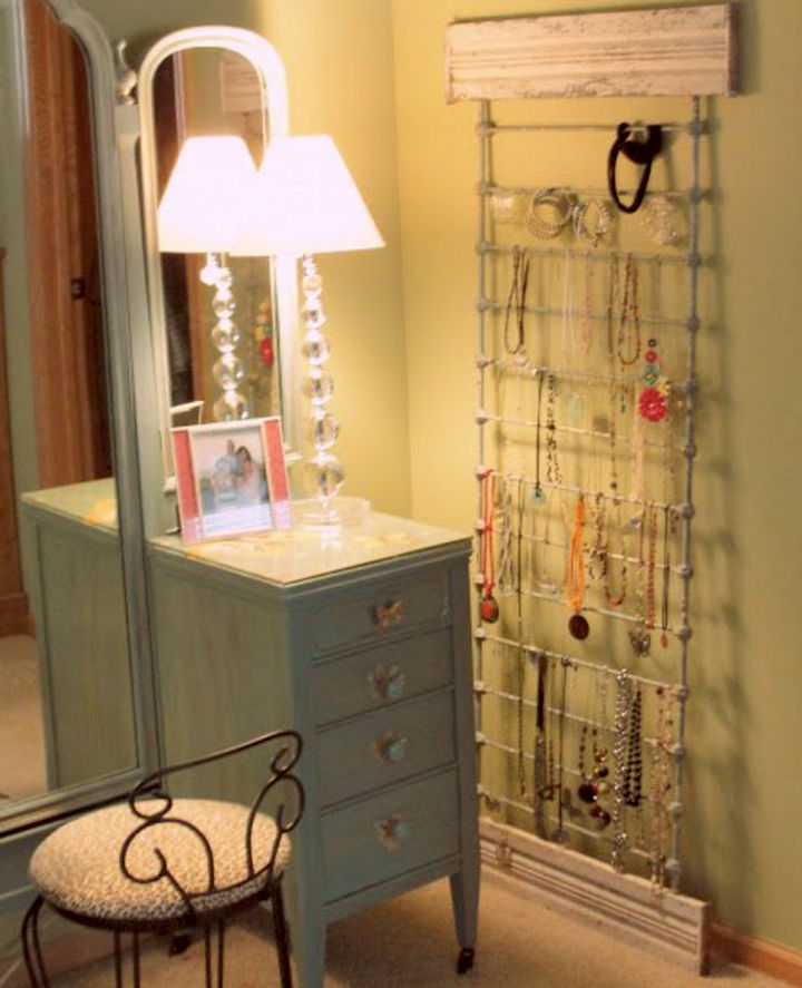 19 Ways to Repurpose Baby Cribs - Build a jewelry display rack. & 19 Ways to Repurpose Baby Cribs into DIY Upcycled Furniture