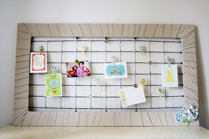 19 Ways to Repurpose Baby Cribs - Make a crib spring memo board.