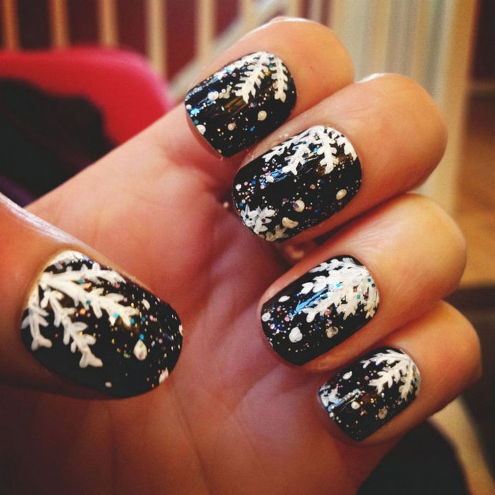 39 Winter Nails - A cold winter's night.
