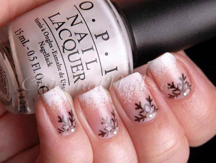 39 Winter Nails - Snowflake half-moon.