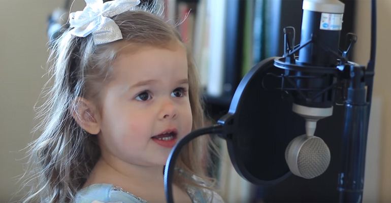 3-Year-Old Claire Ryann Sings Part of Your World from LIttle Mermaid.