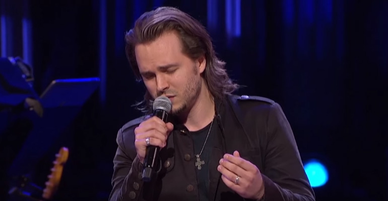 Nashville Star Jonathan Jackson Sings Unchained Melody Flawlessly.