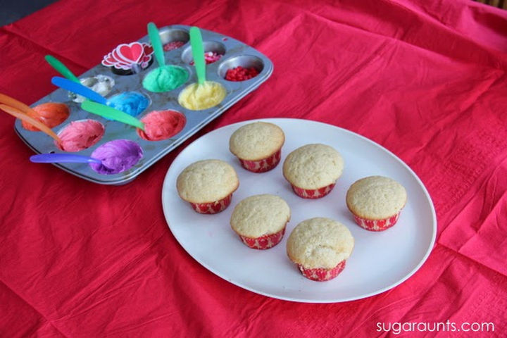 "13+ Muffin Pan Hacks - Create a cake frosting palette and let kids ""paint"" their muffins."