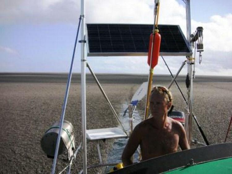 Sailing Crew Witness Underwater Volcano Erupting 08