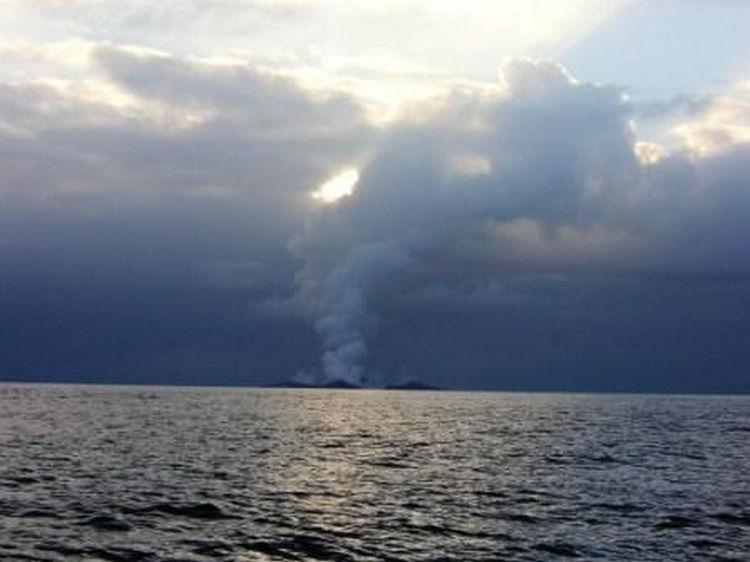 Sailing Crew Witness Underwater Volcano Erupting 11