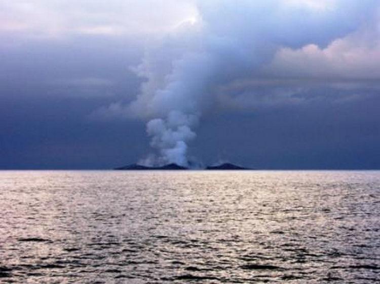 Sailing Crew Witness Underwater Volcano Erupting 12