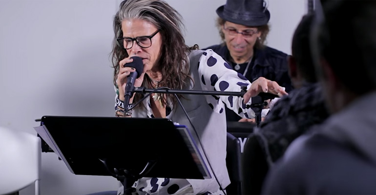 Steven Tyler Sings 'Amazing' at a Drug Treatment Center.