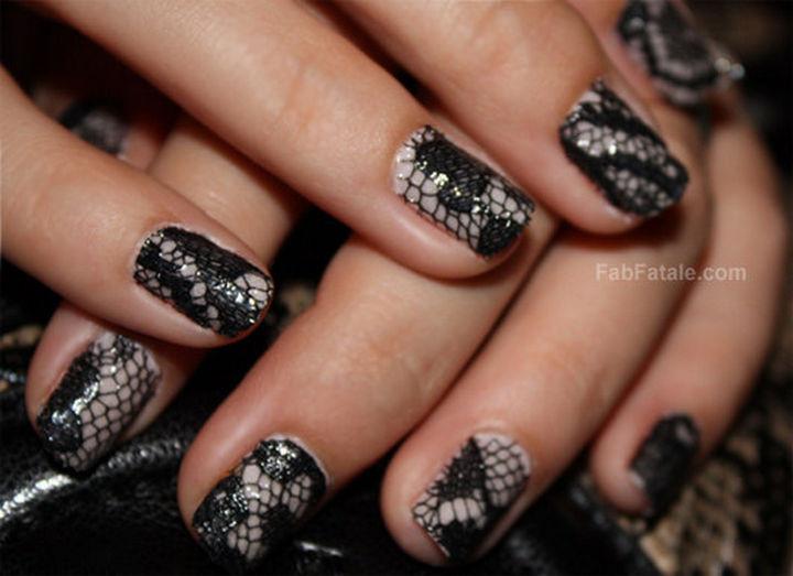 18 3D Nails - A beautiful lace manicure.