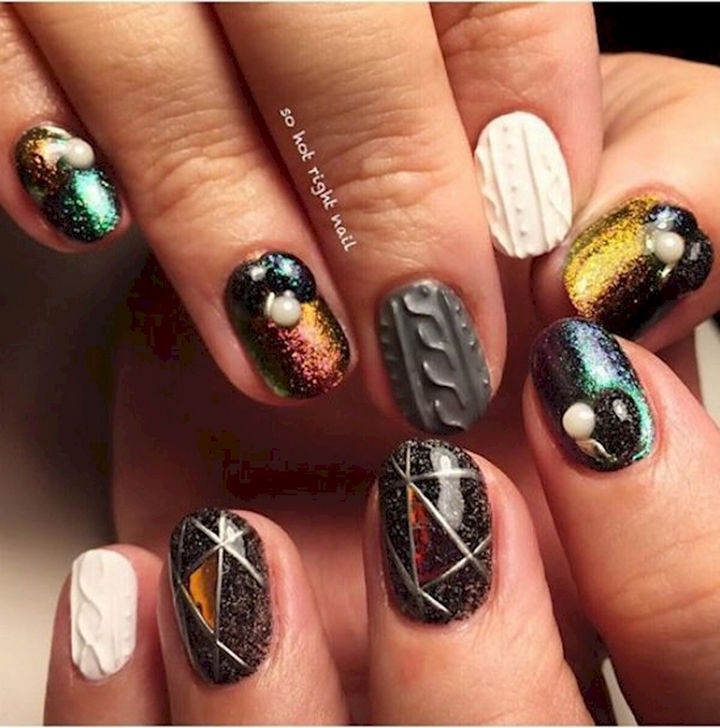 18 3D Nails - Feel warm and comfy with these sweater nail textured designs.
