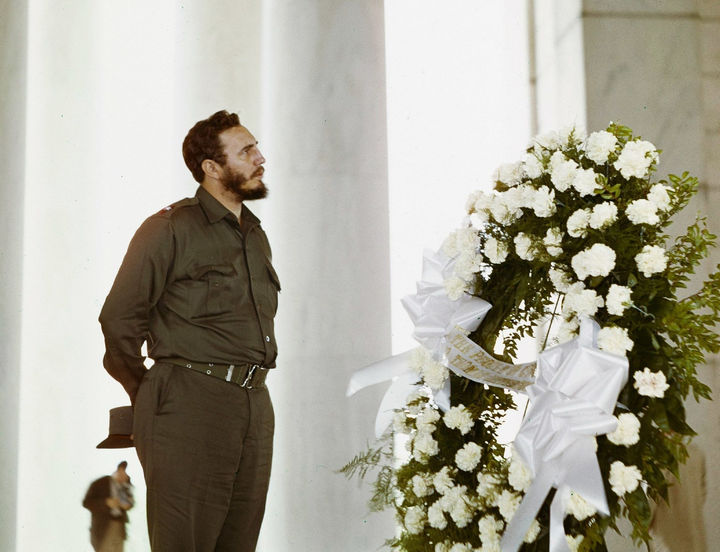 35 Rare Historical Photos - 1959: Fidel Castro, political leader of Cuba  from 1959 to 2008, visiting the Thomas Jefferson memorial in Washington, DC.