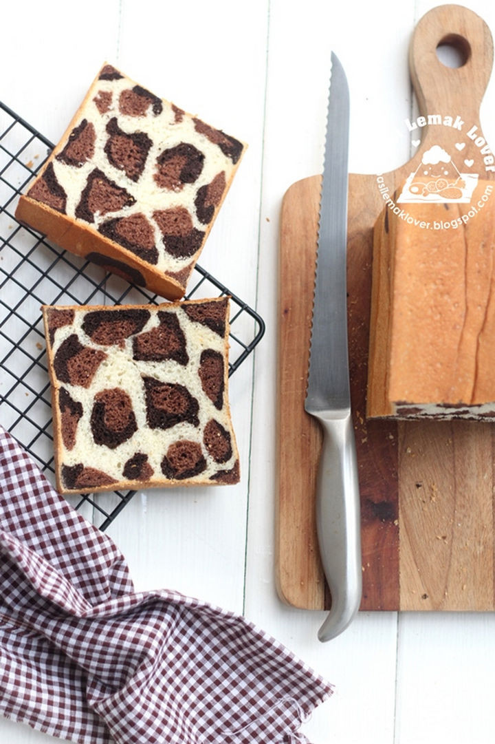 The result is a leopard print bread loaf that tastes as great as it looks.