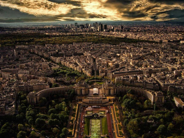 Top 25 Travel Destinations 2016 - Paris, France 02.