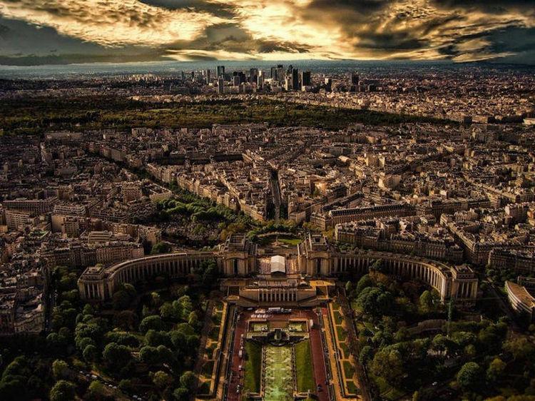 Top 25 Travel Destinations 2016 - Paris, France 02.