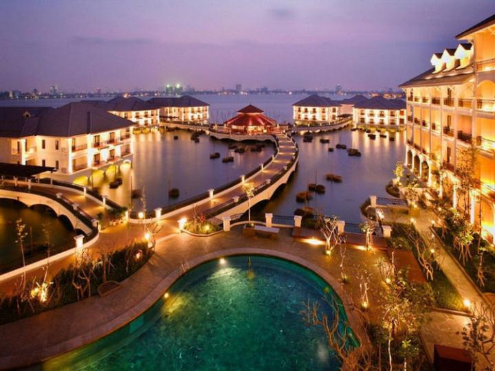 Best Holiday Destinations 2019: Hanoi, Vietnam 02.