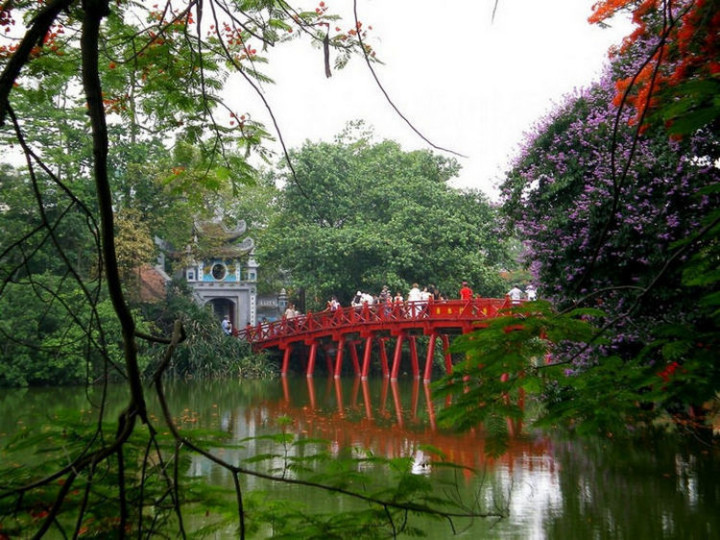 Top 25 Travel Destinations 2016 - Hanoi, Vietnam 03.
