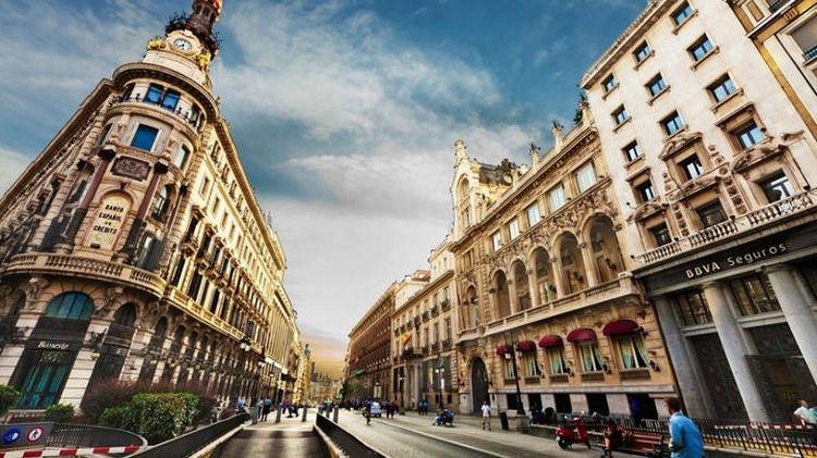 Top 25 Travel Destinations 2016 - Barcelona, Spain 02.