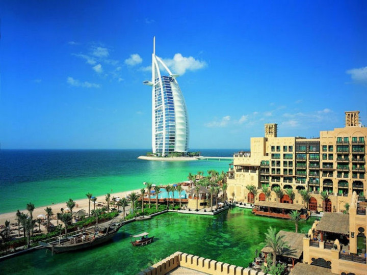 Top 25 Travel Destinations 2016 - Dubai, United Arab Emirates 03.