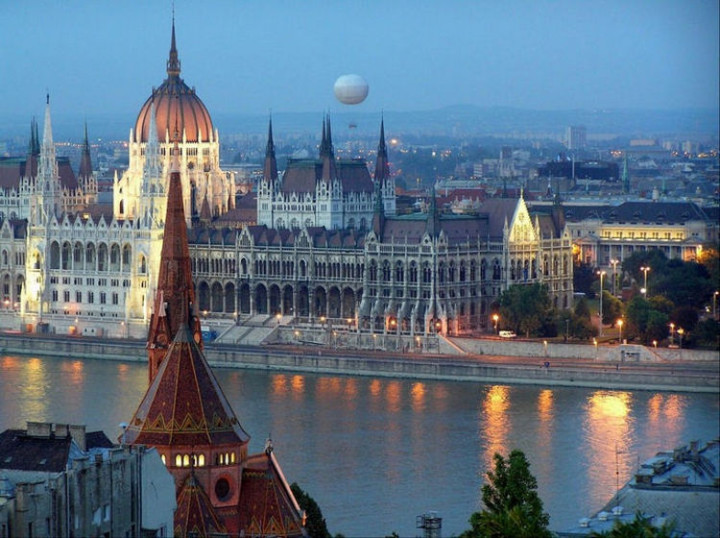 Top 25 Travel Destinations 2016 - Budapest, Hungary 2.
