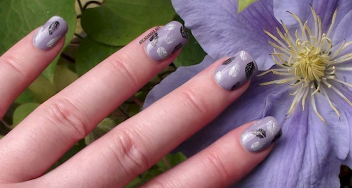 18 Feather Nail Art Designs - Beautiful but easy to make feathers.