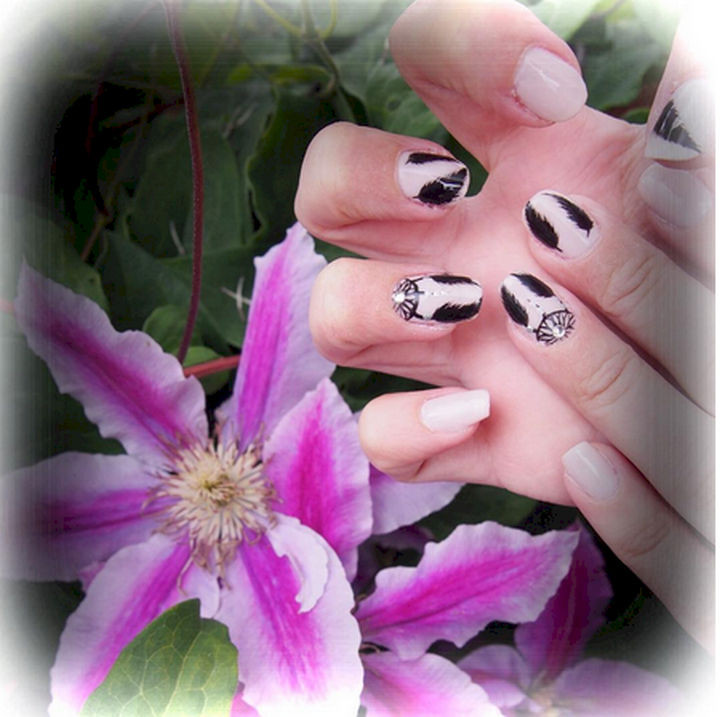 18 Feather Nail Art Designs - Dreamcatcher feathers.