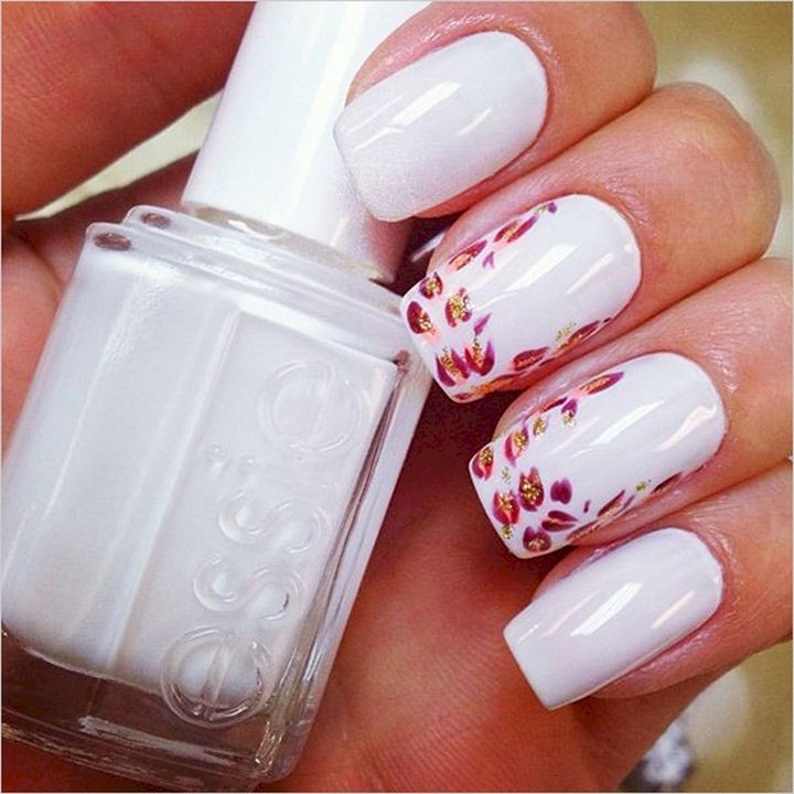18 Perfect Wedding Nails - Luscious white nails with kissing prints.