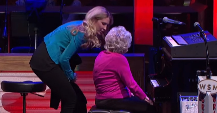 98-Year-Old Grandmother Lois Cunningham Plays Piano at the Grand Ole Opry.