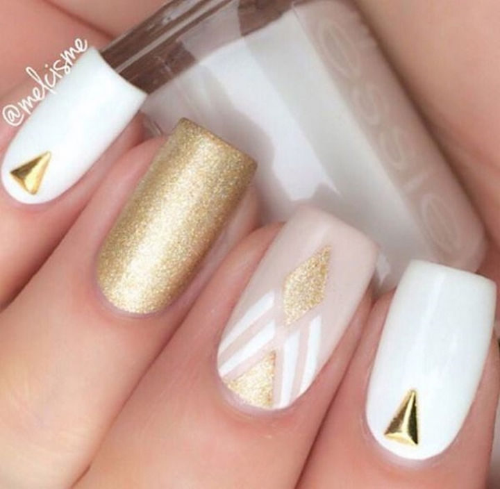 These spring nails are perfect for that special night out!