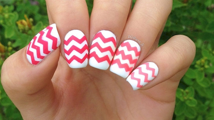 17 Chevron Nails With Hot Pink Patterns That Really Get Noticed