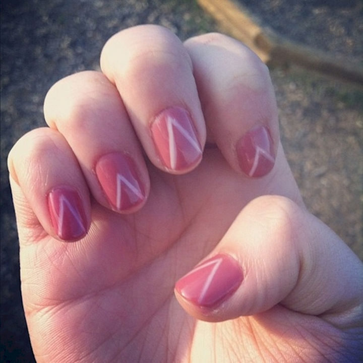 17 Chevron Nails 07