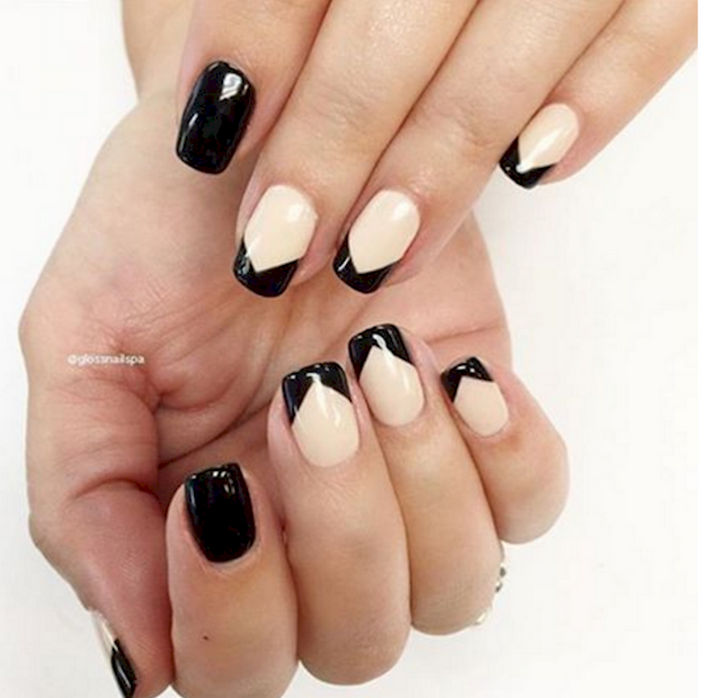 11 Glossy Black Chevron Pattern Gets The French Manicure Treatment