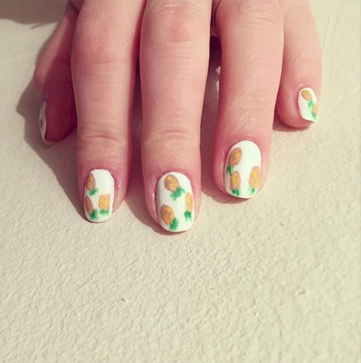 17 Fruit Nails - Pretty pineapple nails.