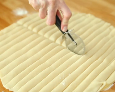 He Places Apple Pie Filling Between Two Pie Crusts and Cuts It Into Strips. I Gotta Try This!