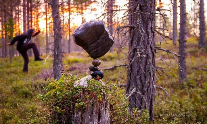 Much like a tripod, he chooses rocks with pivots or tiny dips and it can take anywhere from a minute to an hour to find that perfect balance.