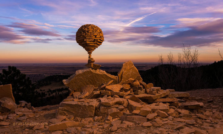 Marvel at the unbelievable art he creates with rock balancing.