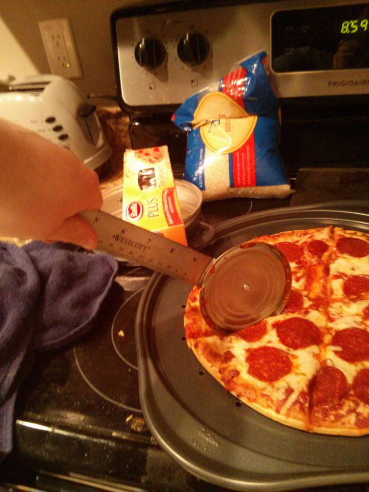 18 Funny Life Hacks - Seems like a lot of work to cut pizza?