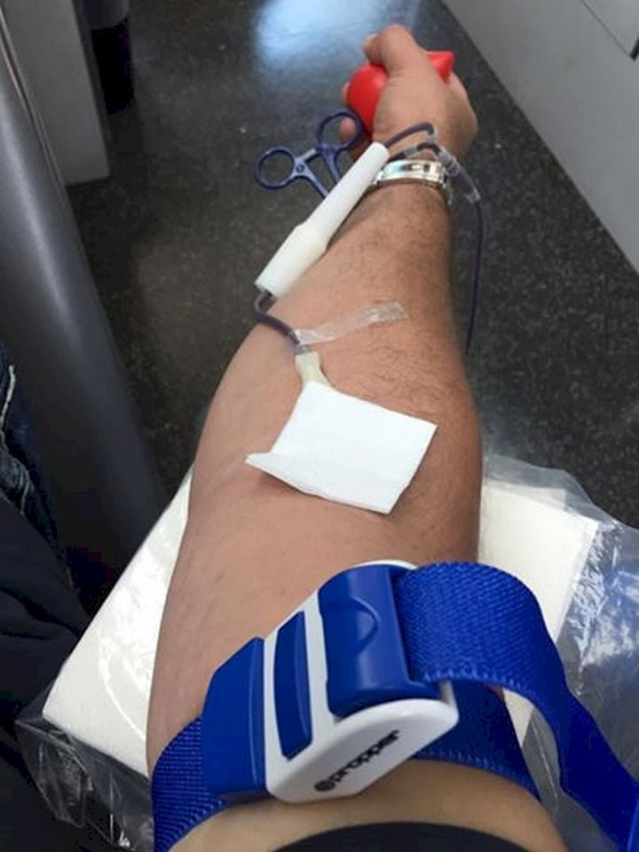 20 Photos Will Restore Your Faith In Humanity - Caring Muslims who broke their fasts during Ramadan to donate blood following the Orlando nightclub shooting.