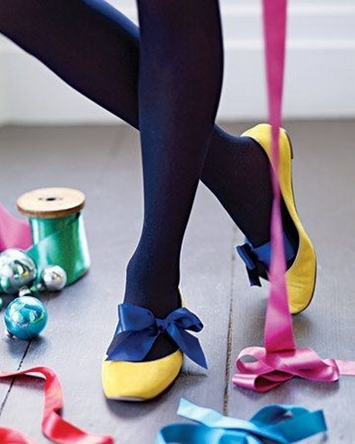 22 Kickass Life Hacks for Girls - Give your flats a new look by tying a bow.