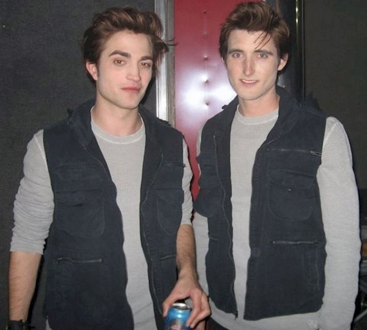 "23 Celebrities Hanging Out With Their Stunt Doubles - Robert Pattinson and his stunt double on the set of ""Twilight."""