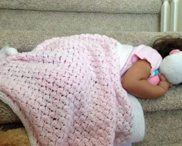 25 Sleepy Toddlers Taking a Nap in the Strangest Places.