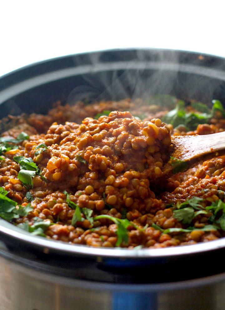 26 Crock Pot Dump Meals - Crockpot red lentil curry.