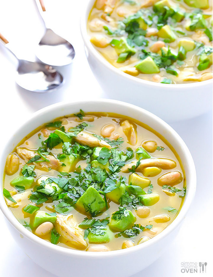 26 Crock Pot Dump Meals - 5-Ingredient easy white chicken chili.
